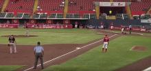 El cubano José Carlos Thompson es una de las caras nuevas de los Rojos del Águila