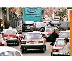 Taxistas descartan aumentar tarifas pese a gasolinazos