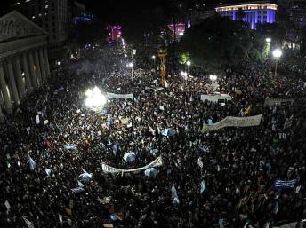 Multitudinaria manifestación contra el gobierno de Cristina Kirchner
