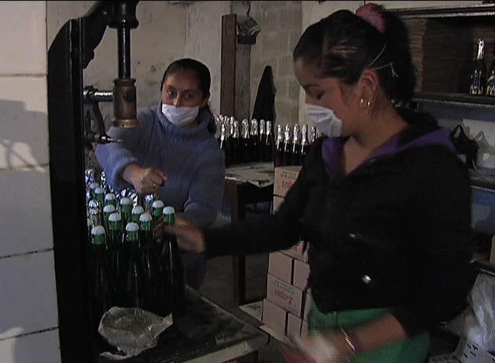 Estabilidad laboral y competencia en Veracruz, resalta Aguilar Yunes