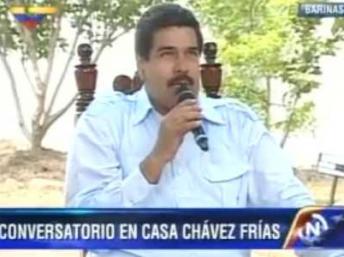 Encarnado en un pajarito, Chávez 'bendice' a Maduro para la batalla electoral