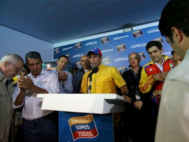 Advierte Capriles que habrá presidente ilegítimo si no se hace recuento