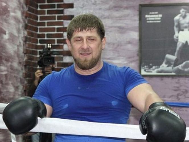 Presidente se sube al ring con ministro de Deportes para castigarlo