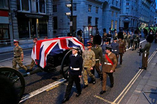 Crece repudio de británicos a fastuoso funeral de Thatcher