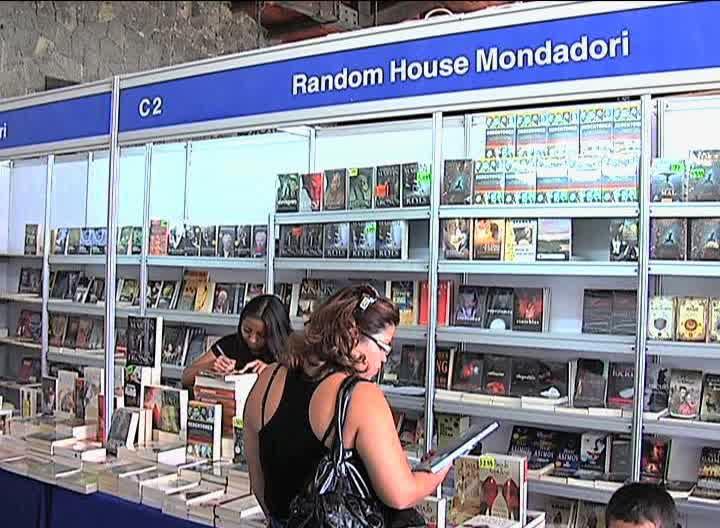 UV mostrará nuevos títulos en la Feria Internacional del Libro Universitario 2013