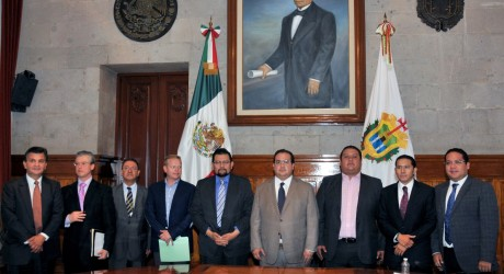 Encabeza Javier Duarte primera sesión de Comisión Plural
