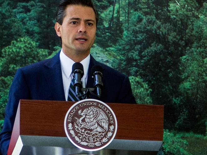 Enrique Peña Nieto promulga reforma de telecomunicaciones