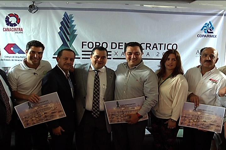 Candidatos del PRI en Xalapa firman compromiso por una ciudad sustentable