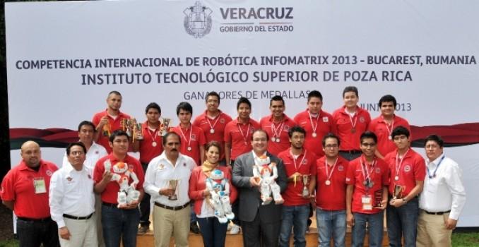 Se reúne Gobernador con campeones mundiales de robótica; son un orgullo de Veracruz y de México