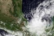 Entrega UV historial de huracanes que han impactado en el norte de Veracruz