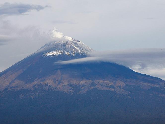Popocatépetl registra 59 exhalaciones y tres sismos en 24 horas