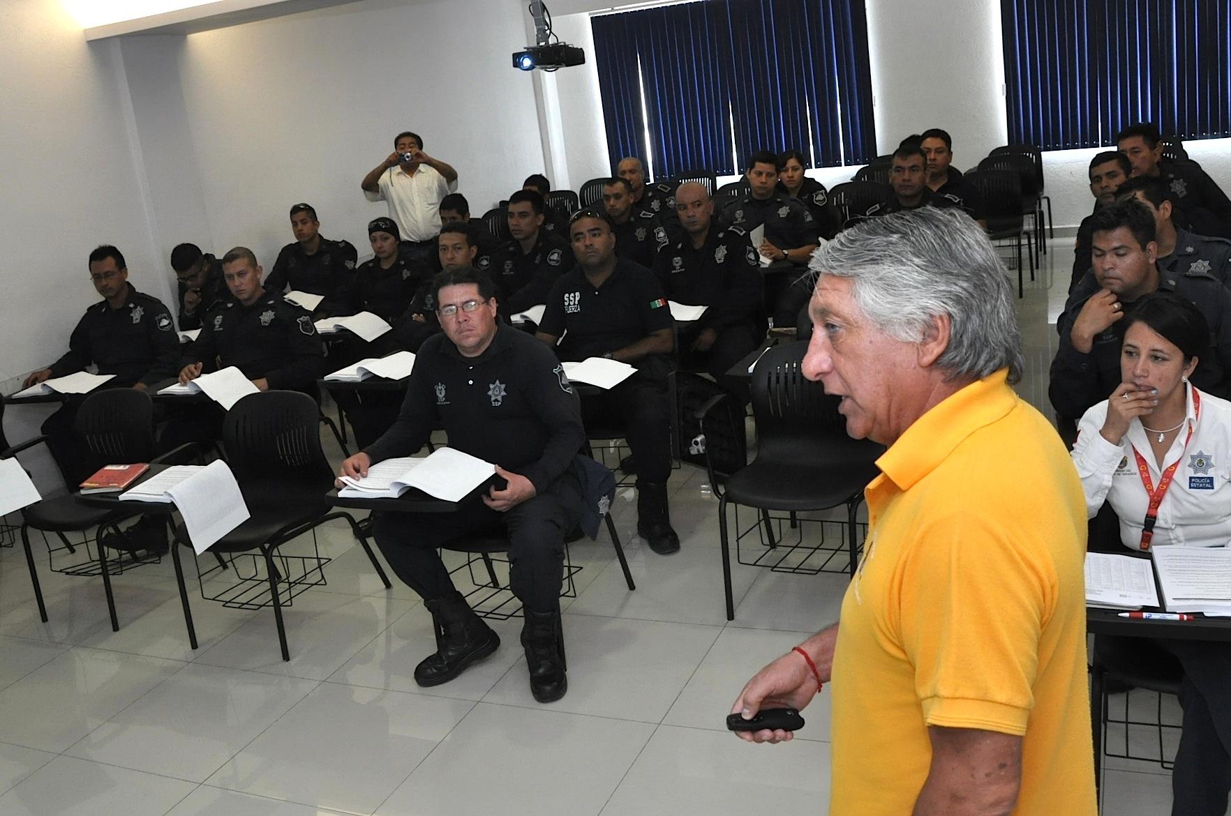 Inicia capacitación de brigadistas contra incendios forestales en la Academia de Policía de El Lencero