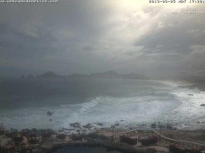 Huracán 'Cosme' se internará en el océano Pacífico