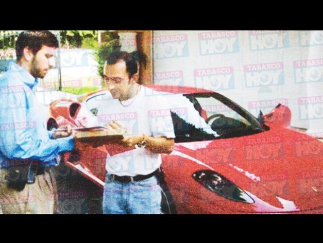Tesorero de Granier presume Ferrari de 4.6 millones de pesos