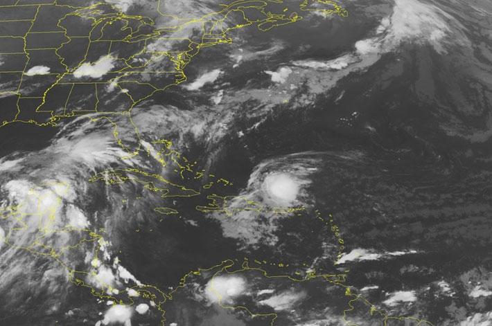 """Acciones de prevención en la costa del Golfo de México por entrada de """"Barry"""""""