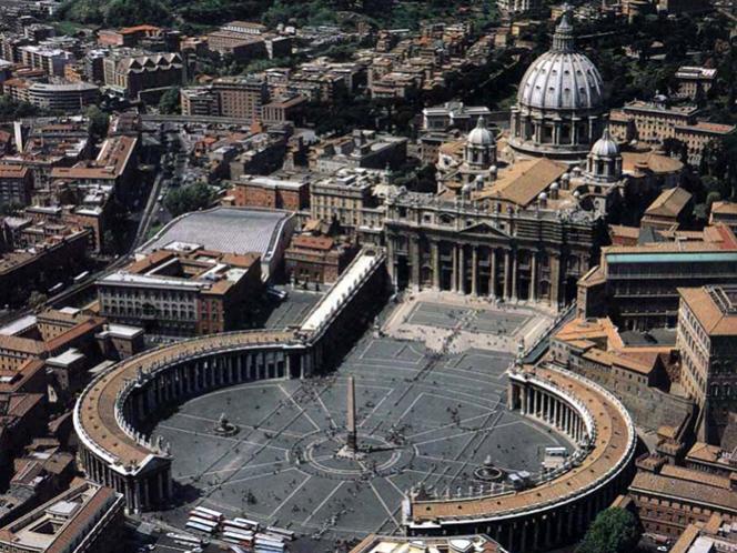 Arrestan a funcionario del Vaticano por corrupción y fraude