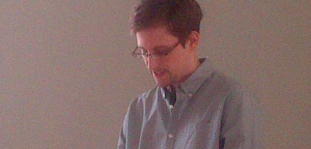 Snowden solicita asilo temporal en Rusia