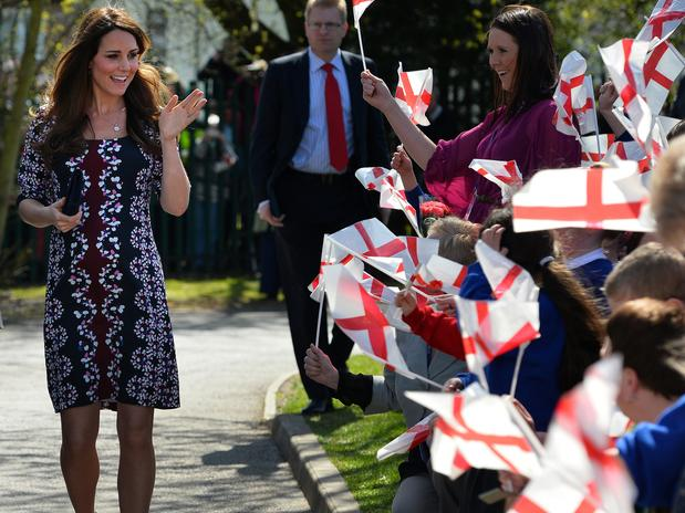 La duquesa de Cambridge, Catalina, ingresa en el hospital para dar a luz