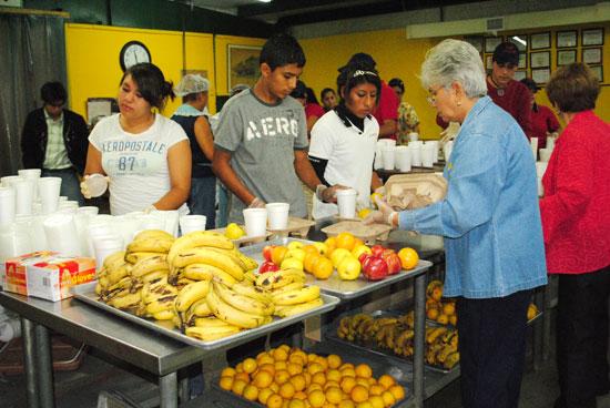 Banco de Alimentos brinda cena de fin de año a familias vulnerables