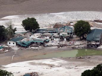 Dan por muertos a 6.000 desaparecidos en las inundaciones de junio