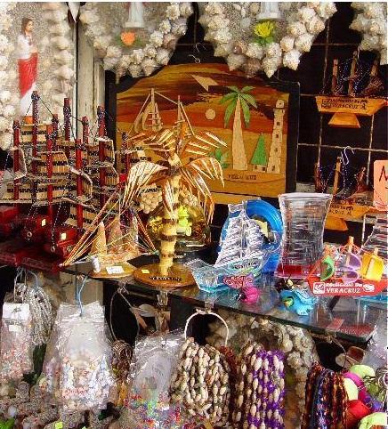 Aumentan ventas de artesanos del malecón de Veracruz