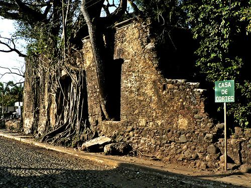 Uno de los monumentos más importantes del municipio de La Antigua es la casa de Hernán Cortés, un lugar histórico