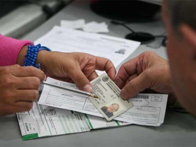 Recibe INE 304 mil solicitudes de credenciales desde el extranjero