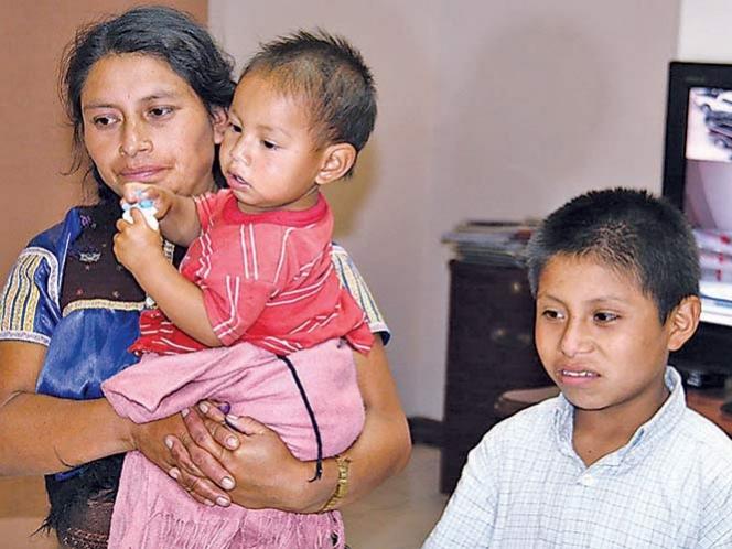 Feliciano, el niño humillado llega a Chiapas con su madre
