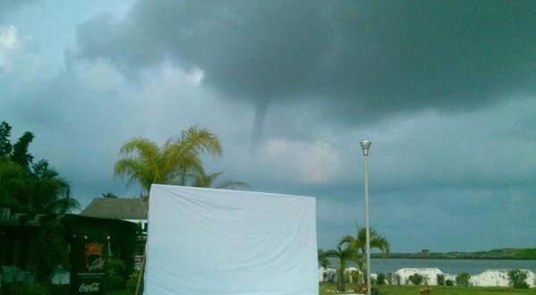 El fenómeno meteorológico que se presentó este martes en Boca del Río no causó afectaciones a los palaperos