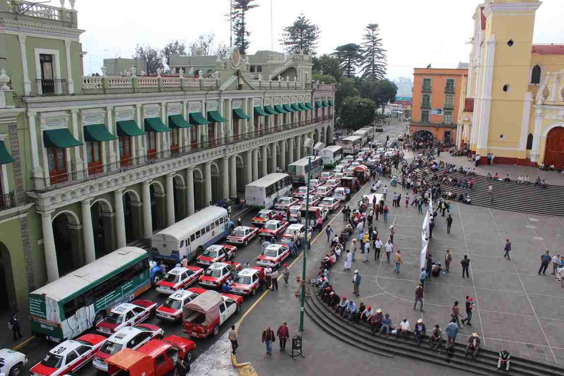 Importante la participación de la sociedad para resolver el problema del tráfico vehicular en Xalapa: Óscar Guzmán de Paz