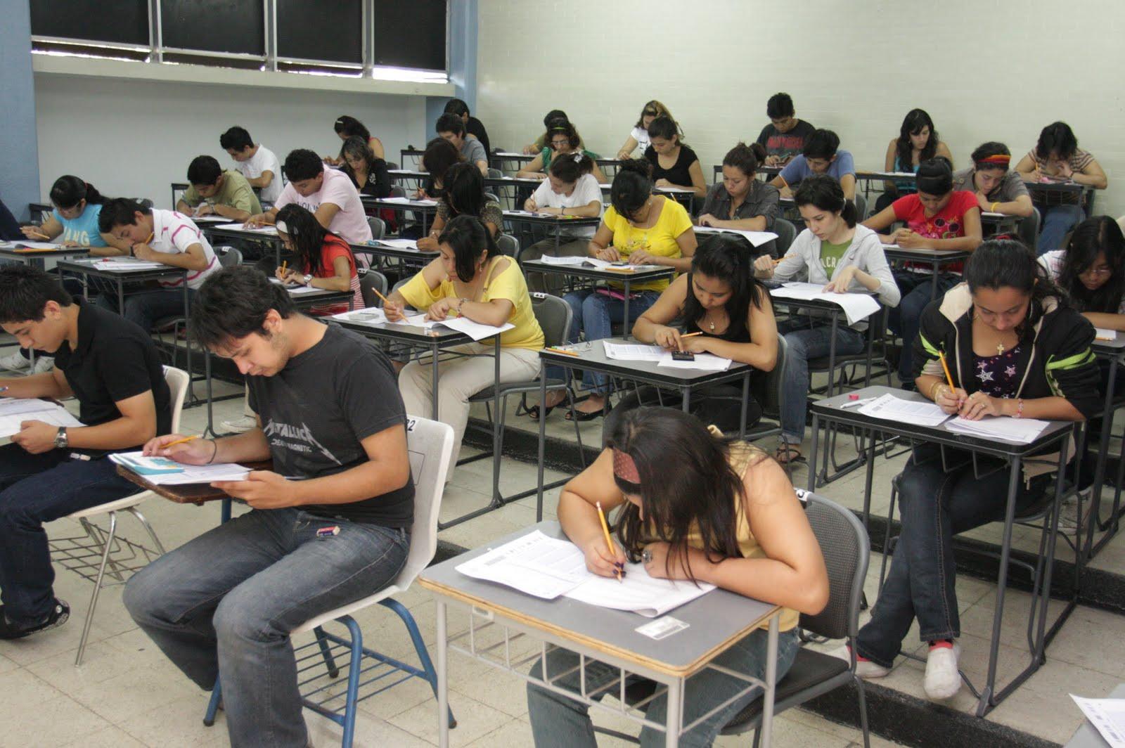 Aplica UV examen de salud integral a alumnos de nuevo ingreso para garantizar rendimiento académico
