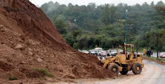 Emite el gobernador Javier Duarte alerta especial para reducir riesgo por deslaves