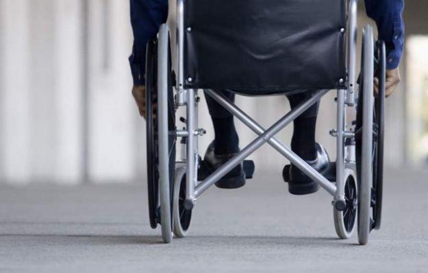 """Aparatos auditivos, lentes, sillas de ruedas y prótesis motrices llegarán a quienes lo necesitan a través de la iniciativa """"Fideprótesis"""""""