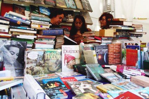 En plaza Lerdo recolectarán libros para donar a escuelas rurales de escasos recursos