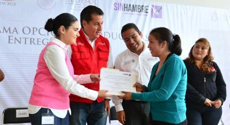 Destinan gobiernos federal y estatal casi 11 mdp para impulsar 63 proyectos productivos en Veracruz
