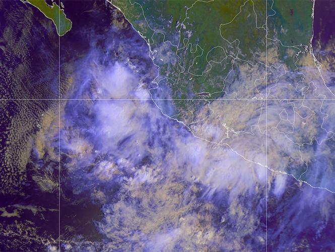 En costas de Guerrero y Michoacán persiste probable desarrollo ciclónico