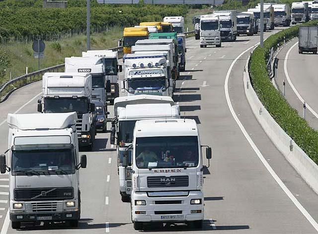Nuevo aumento de gasolina y diesel inconforma a transportistas