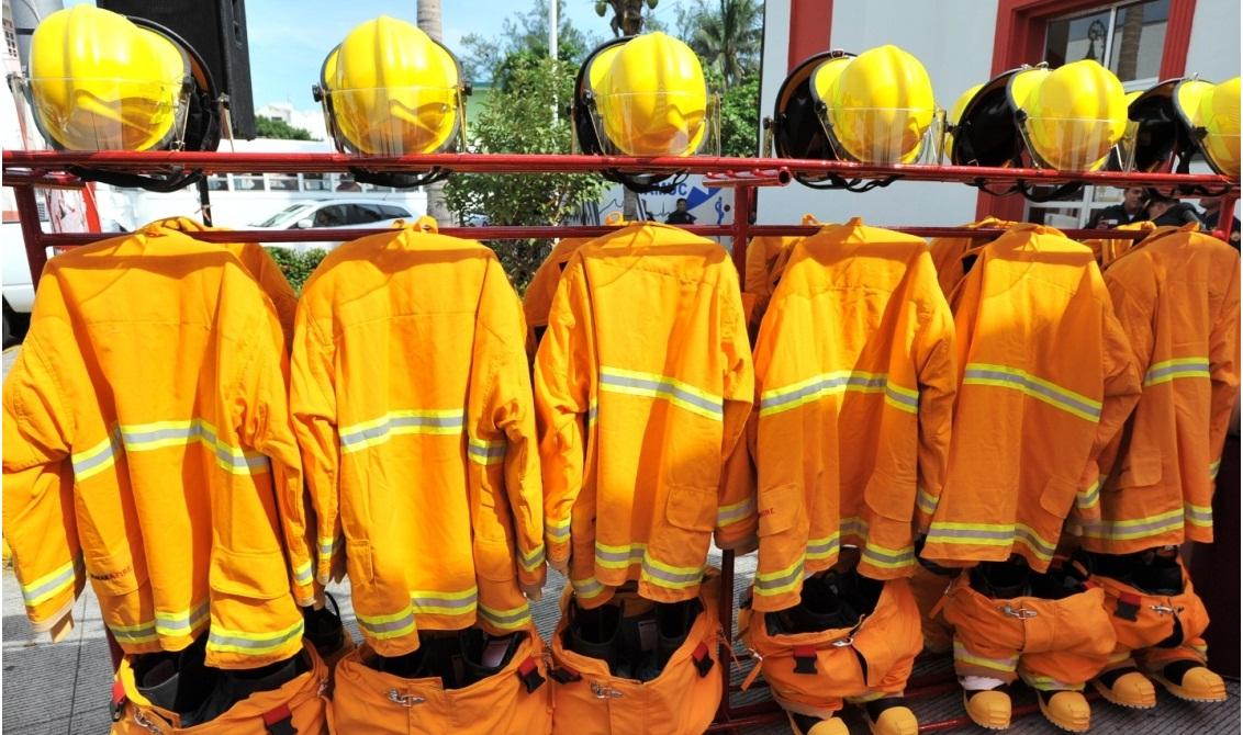 """Culminó colecta """"Dona con amor"""" para bomberos de Tuxpan"""