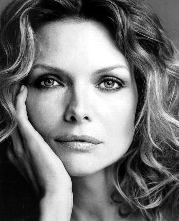 La actriz Michelle Pfeiffer se niega a escribir su autobiografía