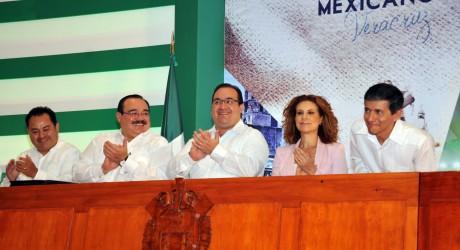 Al amparo de la ley, Veracruz se transforma: Javier Duarte