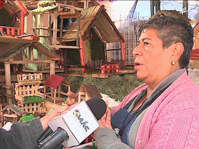 Venta de nacimientos navideños en el Mercado Galeana, tradición xalapeña