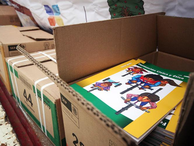 Capacitan a jefes de sector y supervisores escolares sobre proceso de distribución de libros de texto gratuitos