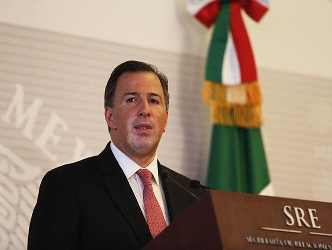 Canciller viaja a Francia para afinar visita de Hollande a México