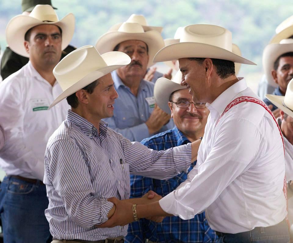 Enrique Peña Nieto anuncia canal y agroparque en Nayarit