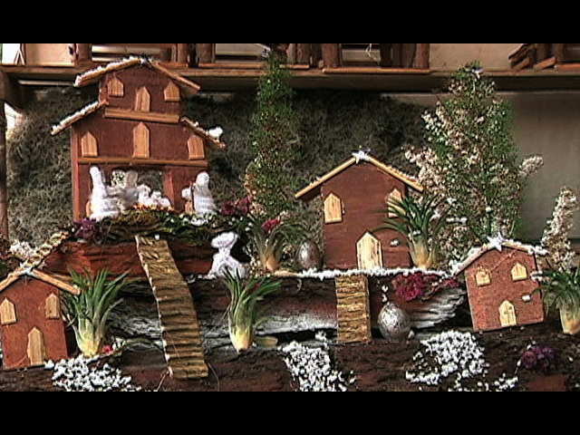 Habitantes de  Las Vigas ofertan artesanías navideñas
