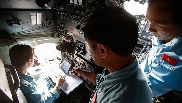 La búsqueda del avión desaparecido en los puntos señalados por Australia no da resultados