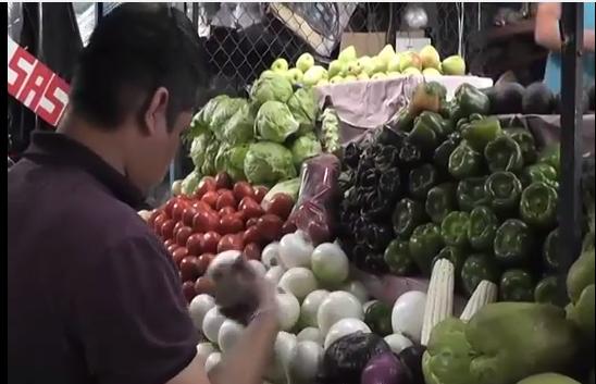 Los precios del tomate y la cebolla continúan a la baja en Coatzacoalcos.