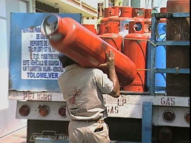 Hasta cinco fugas de gas al día atienden bomberos de Veracruz