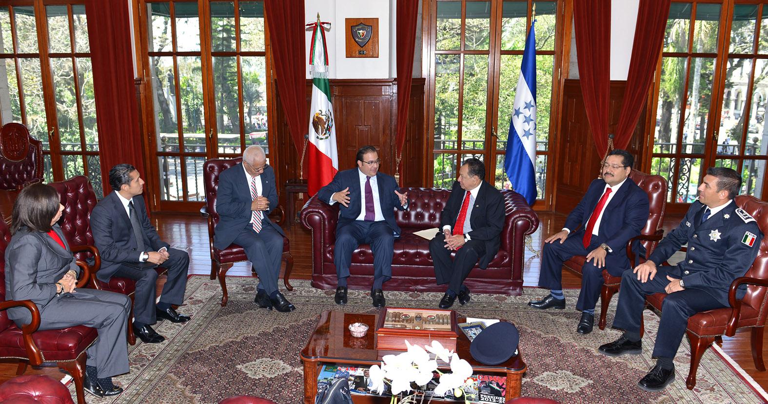 Embajador de Honduras agradece a Veracruz trato a connacionales