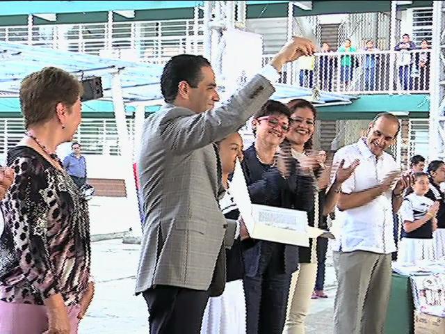 Entrega SEV instalaciones del Cinema Pepe a escuela Carlos A. Carrillo; fungirá como teatro
